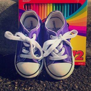 Electric ⚡️ purple converse (Toddler)